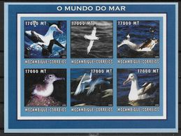 2002  Mozambique. N°  Nf** MNH  1 Bloc  Feuillet . Les Goelands - Marine Web-footed Birds