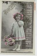 """ENFANTS - LITTLE GIRL - MAEDCHEN - Jolie Carte Fantaisie Portrait Fillette Et Fleurs """"Bonne Fête """" - Portraits"""
