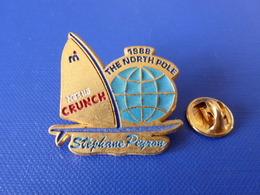 Pin's Voilier - Stéphane Peyron 1988 The North Pole - Nestlé Crunch Chocolat - Sport Course Voile Bateau - Zamac (PQ44) - Sailing, Yachting