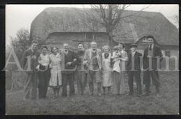 Photo Postcard / Foto / Photograph / Family / Famille / Farmers (?) / Unused - Photographie