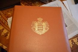 MONACO ALBUM COLLECTION DE TIMBRES NEUFS AVEC LEUR GOMME  DE 1992 A 2000 . SOUS ETUI QUALITÉ TTB - Monaco