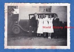 Photo Ancienne - Groupe De Garçon & Fille Devant Une Automobile à Identifier - Boy Girl Pose Auto - Automobiles