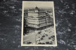 1650  Bruxelles - Hôtel Cécil   Autos  Cars - Cafés, Hôtels, Restaurants