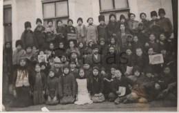 Moldova - Bessarabia - Com. Gangura - Ialoveni - Copii Cu Harta Romaniei Mari - Moldova
