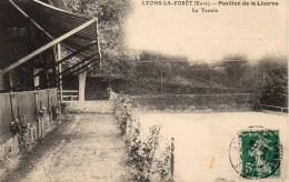 27 LYONS-la-FORET   Pavillon De La Licorne  Le Tennis - Lyons-la-Forêt