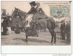 Au Bourg De Batz-Un Jour De Fête-Souvenir Du Vieux Temps.Coll.Thuret. - Batz-sur-Mer (Bourg De B.)