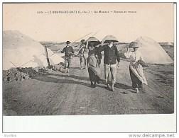 2076.Le Bourg De Batz-Au Marais-Retour Du Travail. - Batz-sur-Mer (Bourg De B.)