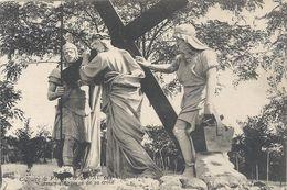 CALVAIRE DE PONTCHATEAU . 5e  STATION . JESUS EST CHARGE DE SA CROIX  . NON ECRITE - Pontchâteau