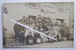 60 Rare Carte Photo CLAIROIX La Choule Devant Une Boutique épicerie LAMARRE Avec Un Beau Déguisement Bibendum - Autres Communes