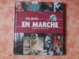 Livre Avec Timbres Un Siècle En Marche - Stamps