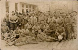 MILITARIA - Carte Photo Militaire - Soldats - - Militaria