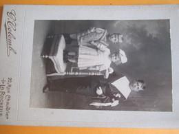 Photographie De Studio / Communiant Et Enfants /G Colomb / Rue Chaudrier/LA ROCHELLE / Vers 1900-1920        PHOTN331 - Personas Anónimos