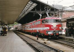 TRAIN EN GARE DE TOULOUSE - Toulouse