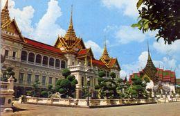 Bangkok - The Royal Grand Palece - Chakri And Dusit Maha Prasadh Throne Halls - Formato Piccolo Viaggiata – E 3 - Cartoline