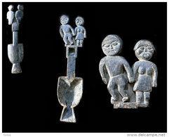 Ancien Saranghi Figurant Un Couple D'ancêtres Protecteurs / Rukum-Rolpa Ancestors Saranghi (guitar) - Musical Instruments