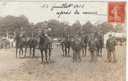 CPA Groupe De Gendarmes à Pied & à Cheval - Autres