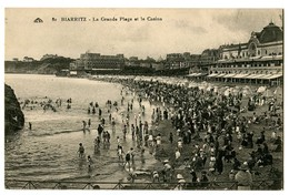 CPA 64 Pyrénées Atlantiques Biarritz La Grande Plage Et Le Casino - Biarritz