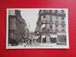 CPA 19 BRIVE LA RUE DE L'HOTEL DE VILLE PHARMACIE ANIMEE - Brive La Gaillarde