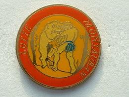 Pin's  LUTTE - MONTAUBAN - Lutte