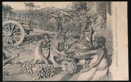 KISUBI ( UGANDA ) WOMEN PREPARING THE FOOD OF THE PEOPLE - Ouganda