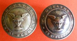 2 Boutons Old  Buttons Grands Magasins Dufayel Bd Barbes Paris Mercure Hermes Diam 2.3 Cms Dos Scanné - Buttons