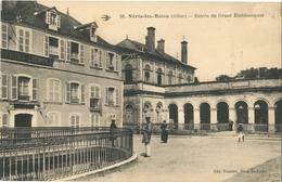 Cp NERIS LES BAINS (Allier) 03 - 1923 - Entrée Du Grand Etablissement (Hôtel Leopold) N° 66 Edit. Picaudet - Neris Les Bains