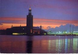 Stocklm - The City Hall At Sunset - Formato Grande Viaggiata – E 4 - Cartoline