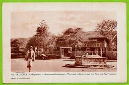 CPA Madagascar MAJUNGA - Monument Historique - Tombeau Indien En Face Des Bureaux Des Finances ° Photo G. Charifou Fils - Madagascar