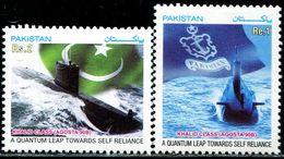 PK0016 Pakistan 2003 Navy Submarine And National Flag 2V MNH - Pakistan
