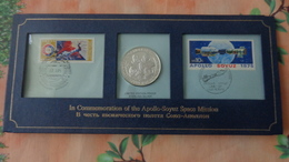 Medaille Argent(silver, Plata) Commémorative Mission Spaciale  Apollo-Soyuz Avec Timbres Et FDC - France