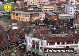 1 AK Madagaskar * Die Hauptstadt Antananarivo - Im Vordergrund Der Zentrale Zoma Markt * - Madagascar