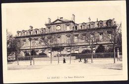 CPA - LE HAVRE (76 - SEINE MARITIME) - LA SOUS PREFECTURE - ANIMEE - Le Havre