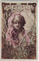 FANTAISIES . ARTISTES . JOLIE FEMME . DORGERE Par REUTLINGER Dans Un Coeur . PARIS . - Artistes