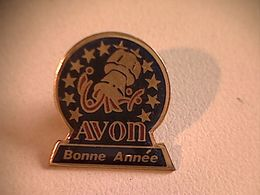 """Pin's """" Avon """" - Markennamen"""