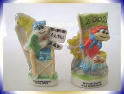 Monsieur Euro 2002 ...lot De 2 .. Ref AFF : 37-2002..  ( Pan 0041) - Personnages