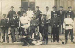 Carte Photo 78-Villennes Sur Seine 1914 Groupe De Soldats Devant La Gare - Villennes-sur-Seine