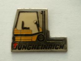 PIN'S CHARIOT ELEVATEUR - JUNGHEINRICH - Badges