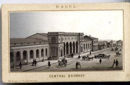 BASEL  CENTRAL BAHNHOF   VERS 1883  PHOTO SUR UN SUPPORT CARTONNE - Photographie
