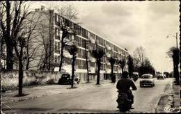 Cp Franconville Val D'Oise, La Route Nationale, La Residence, Wohngebäude, Motorrad, Autos - France