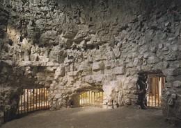 Postcard Grimes Graves Thetford Neolithic Flint Mine Main Mining Period C 2000 BC  My Ref  B22418 - Mines