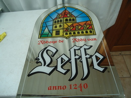 Superbe Miroir Publicitaire De La Bière Belge Leffe - Mirrors