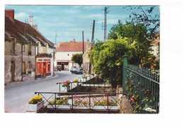 77 Villiers Sur Morin Quelques Ponts Sur Le Ru Rue De Paris Boutique Commerce Auto Citroen DS 2cv Voiture - Frankreich