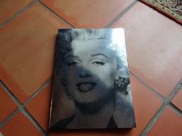 MARILYN MONROE FACE A L'OBJECTIF 152 Photographies Des Années 1945 à 1962 - Non Classés