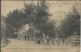 Ardèche : Vals Les Bains, L'Entrée De La Ville... - Vals Les Bains