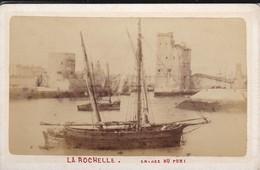 PHOTO   LA ROCHELLE--entrée Du Port--( 10.8 Cm + 6.3 Cm  )--voir  2 Scans - Boten