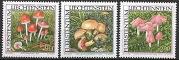 2000  Liechtenstein   Mi. 1252-4**MNH  Seltene Pilze - Unused Stamps