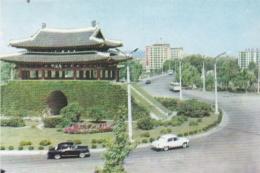 COREE DU NORD  R.P.D.C.  :  PYONGYANG  :  La Rue De Botong-Moun - Korea, North