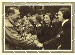 BK N°31 - CARTE PHOTO DE L' EPOQUE D' ADOLF HITLER ET LES JEUNES ALLEMANDES - Guerre 1939-45