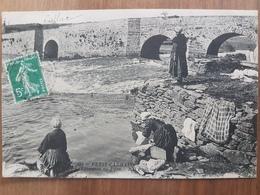 Petit Carhaix.laveuses Au Pont.édition ND 585 - Carhaix-Plouguer