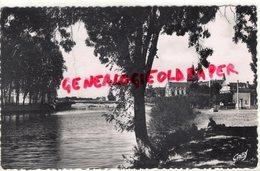 53-  CHATEAU GONTIER- LA MAYENNE ET L' HOPITAL SAINT JULIEN - 1953 - Chateau Gontier
